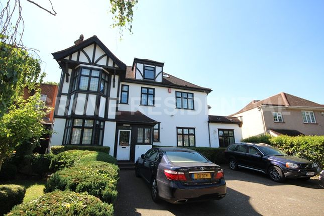 Thumbnail Detached house to rent in Penshurst Gardens, Edgware