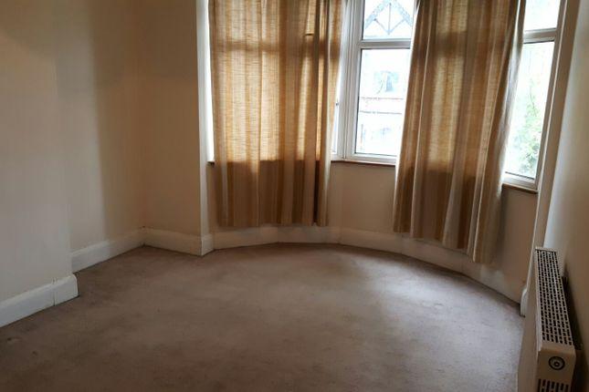 Thumbnail Flat to rent in Haldane Road, East Ham