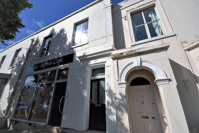 Thumbnail Flat to rent in Clarendon Avenue, Leamington Spa