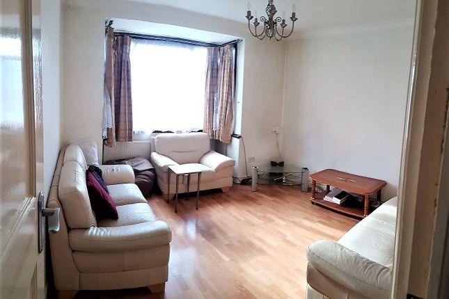 Thumbnail Duplex to rent in Larkshall Road, Highams Park