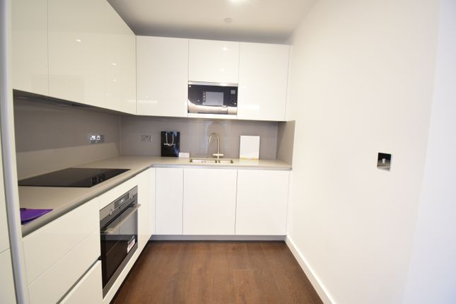 1 bed flat for sale in Malthouse Road, Nine Elms SW8