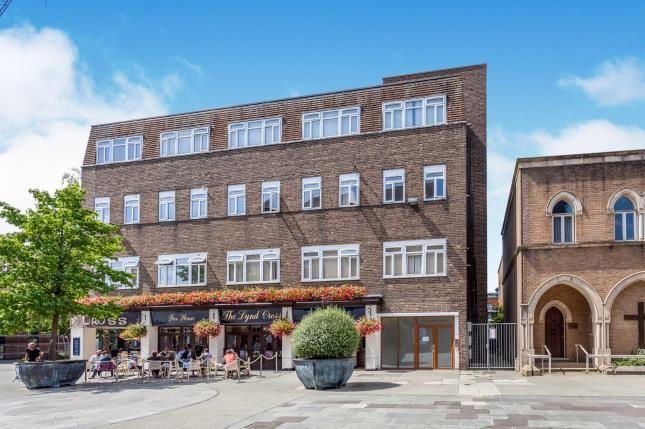 Thumbnail Flat for sale in Horsham, West Sussex