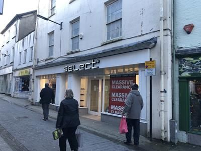 Thumbnail Retail premises to let in 20-20A Bridge Street, Haverfordwest, Pembrokeshire