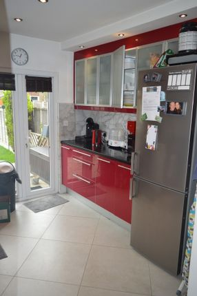 Thumbnail Property to rent in Varley Road, London