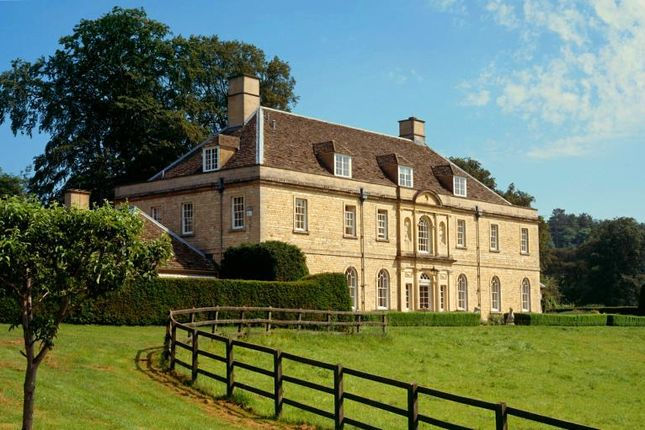 6 bed detached house to rent in Bibury, Cirencester