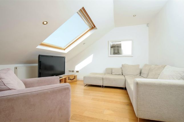 Flat to rent in The Elms, Tooting Bec Road, London