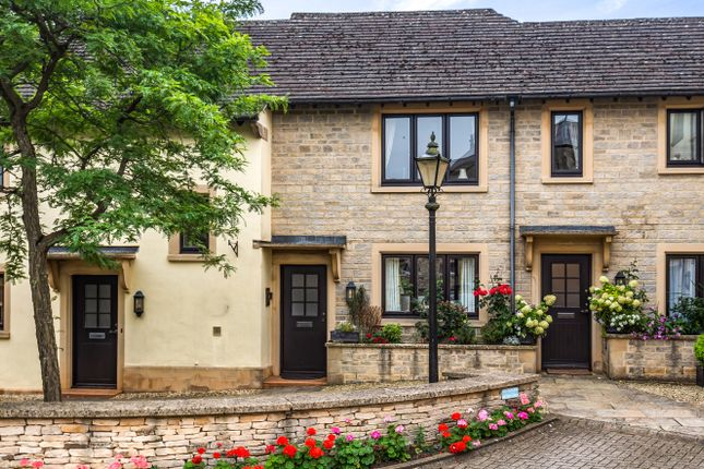 2 bed flat for sale in Market Place, Tetbury GL8