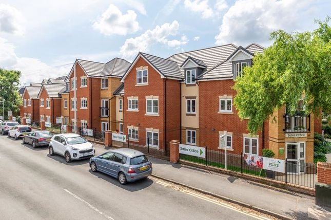 1 bed property for sale in Churchfield Road, Walton-On-Thames KT12