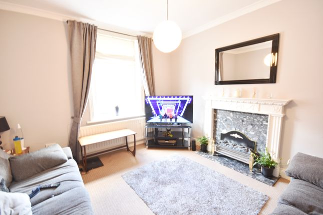 Flat to rent in Tankerville Place, Jesmond, Newcastle Upon Tyne