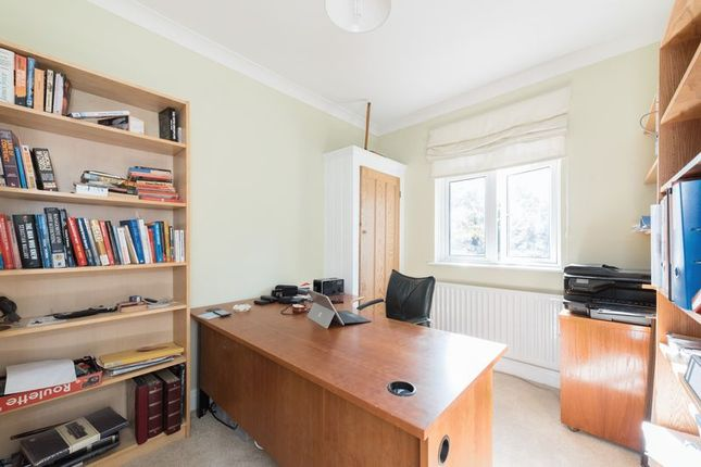 Photo 13 of Meadway, London N14