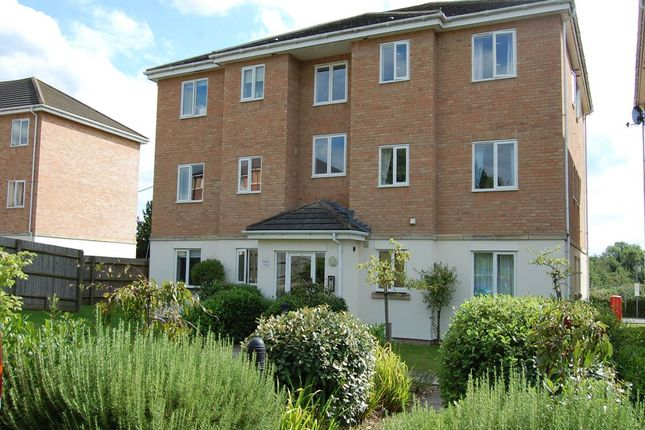 Thumbnail Flat to rent in Jubilee Court, Thatcham, Berkshire