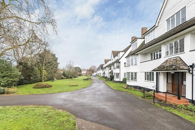 2 bed flat to rent in Gresham House, Ditton Close KT7