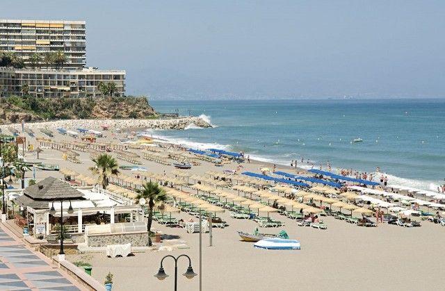 Thumbnail Apartment for sale in Spain, Málaga, Torremolinos, La Carihuela