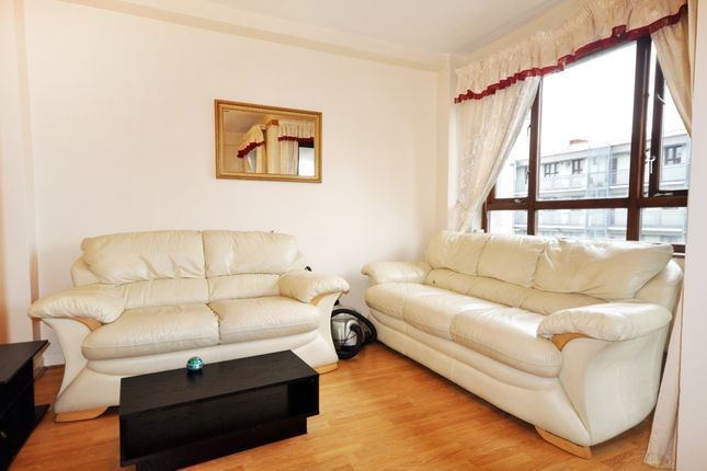 Thumbnail Flat to rent in Birkenhead Street, London