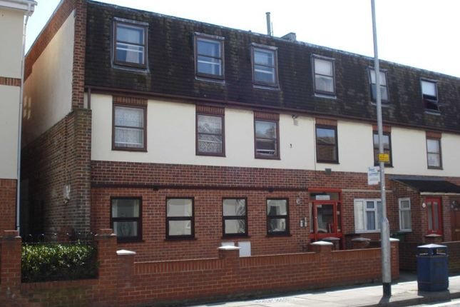 Thumbnail Flat to rent in Yasmine Terrace, New Road East, Portsmouth