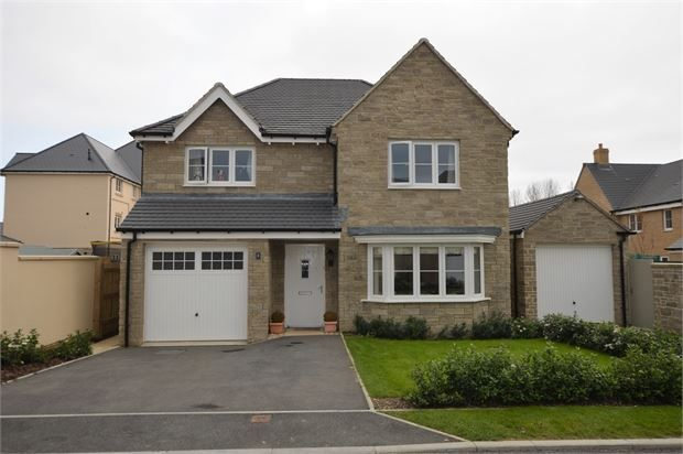 Thumbnail Detached house for sale in Larkin Close, Bovey Tracey, Bovey Tracey, Devon.