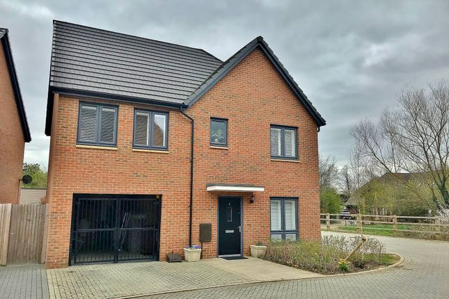 1f7b2553eb12b 4 bed detached house for sale in Inwood Close