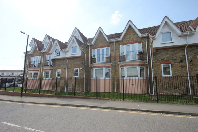 Thumbnail Flat for sale in Clayswell Court, Station Approach, Hockley