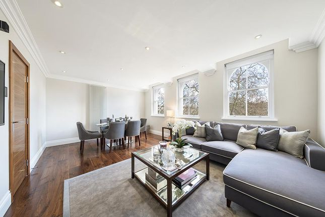 Thumbnail Property for sale in Kensington Gardens Square, London