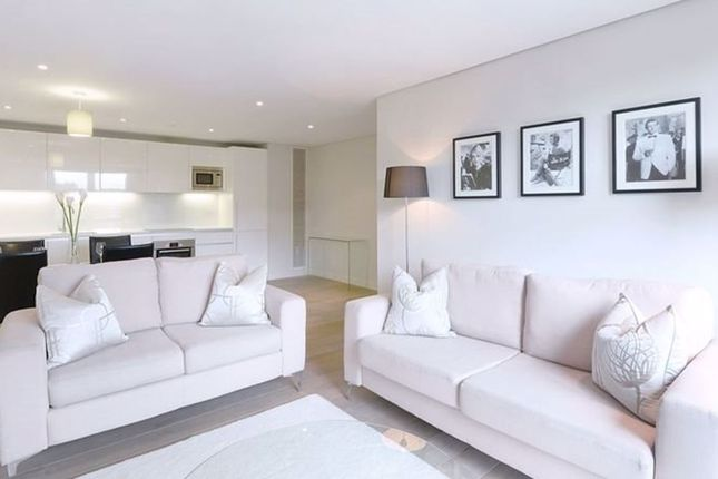 Thumbnail Flat to rent in Fantastic 3 Bed, Great Location, Secure Parking