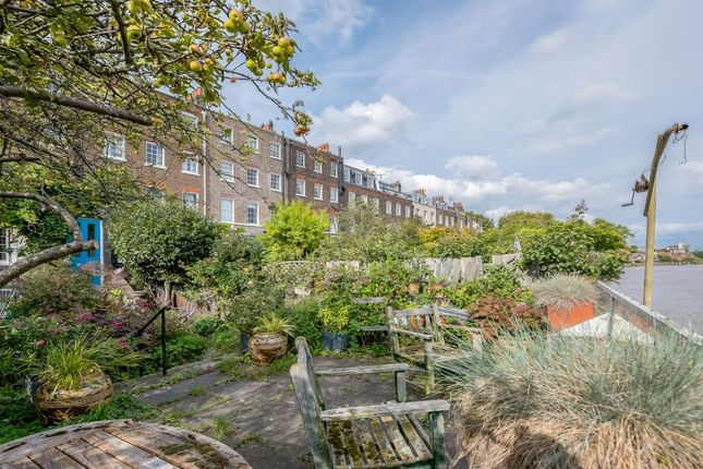 Hammersmith terrace london w6 6 bedroom terraced house for 7 hammersmith terrace