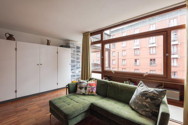 Flat for sale in Golden Lane Estate, London