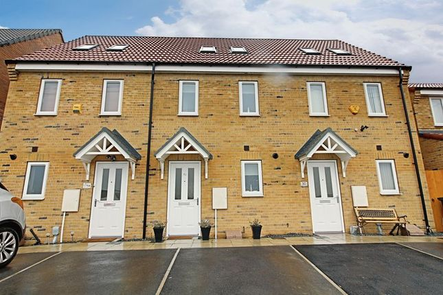 3 bed terraced house for sale in Chartwell Gardens, Kingswood, Hull