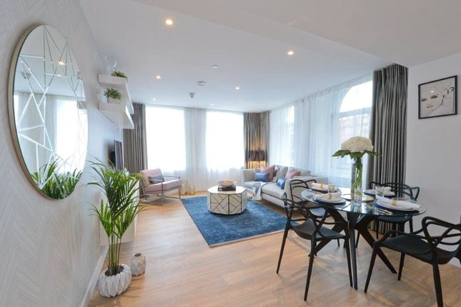Thumbnail Flat for sale in Manchester New Square, Princess Street, Manchester, Greater Manchester