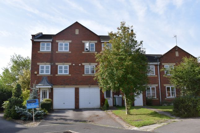 Thumbnail Town house to rent in Cludd Avenue, Newark