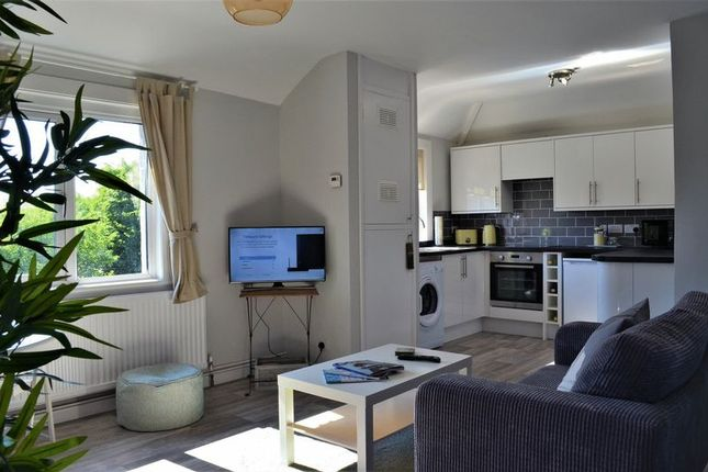 Thumbnail Flat to rent in Kennett Road, Headington, Oxford