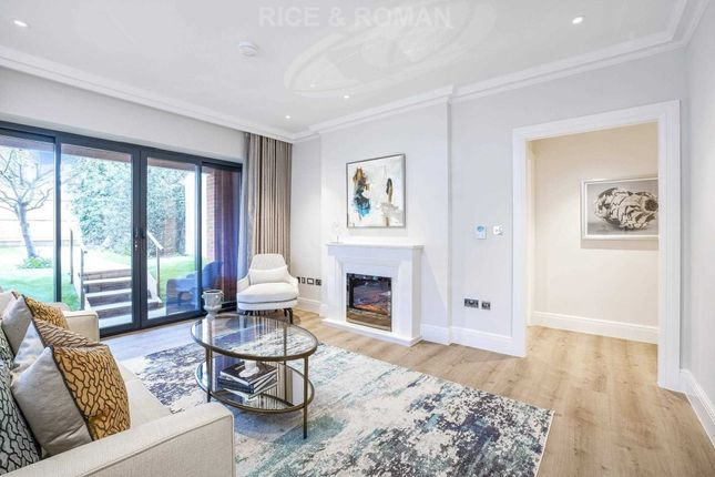 2 bed flat for sale in Mulberry Court, Hampton Wick KT1