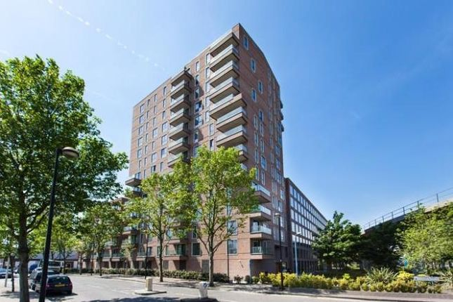 Thumbnail Flat to rent in Connaught Heights, Royal Docks