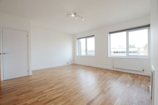 Thumbnail Maisonette to rent in The Parade, Frimley High Street, Frimley, Camberley