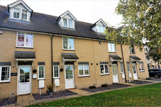 Thumbnail Town house for sale in Eleanor Court, Gillingham