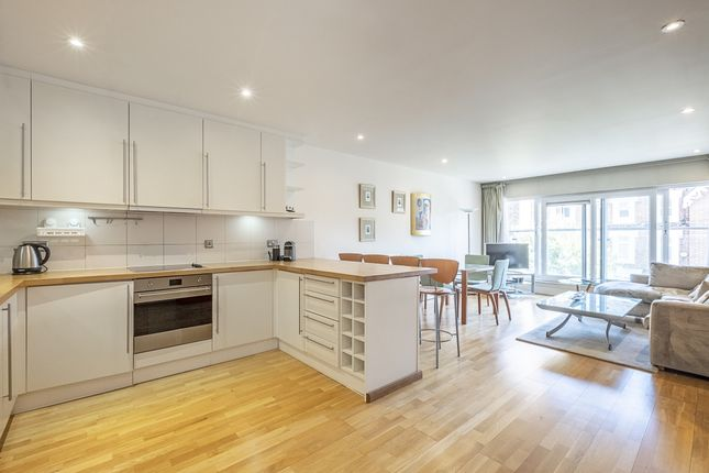 Flat to rent in Hereford Road, London