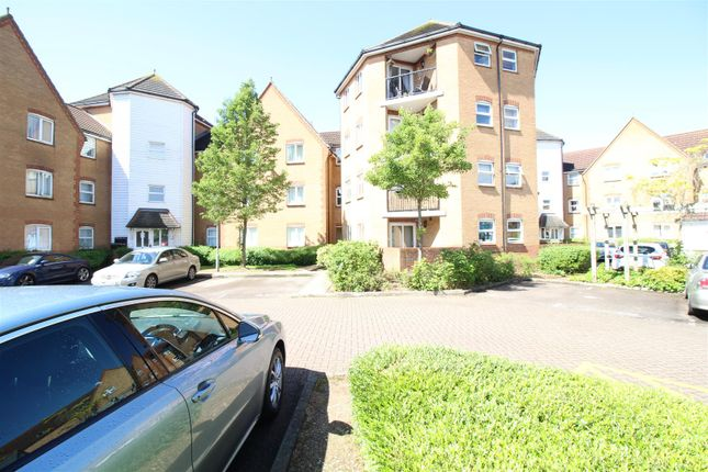 Thumbnail Flat for sale in Chelsea Gardens, Church Langley, Harlow