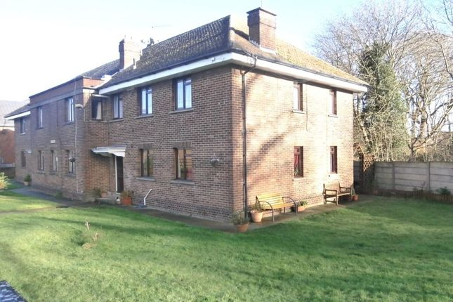 Thumbnail Flat to rent in Sir Evelyn Road, Rochester