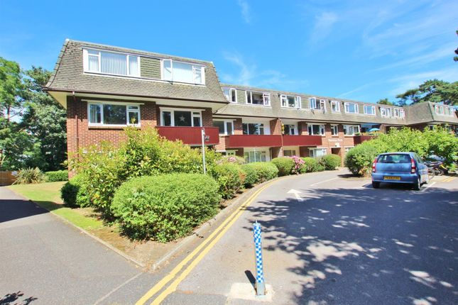 2 bed flat for sale in Redhill Drive, Bournemouth