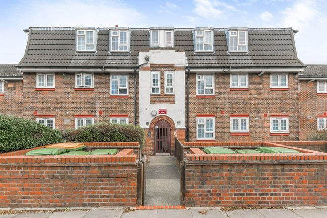 Thumbnail Flat for sale in Newport Avenue, Plaistow