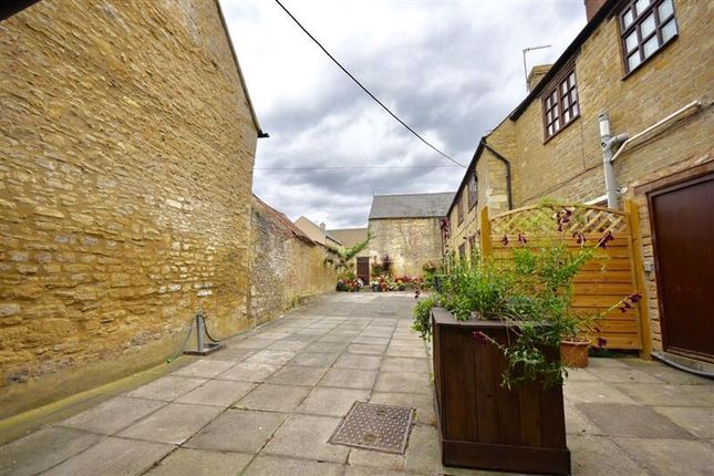 Thumbnail Flat to rent in High Street, Brigstock, Kettering