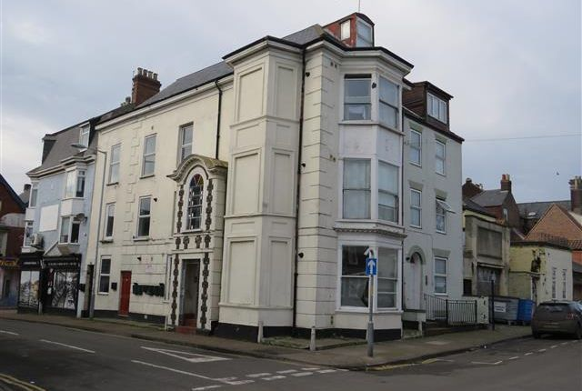 Thumbnail Flat to rent in York Road, Great Yarmouth