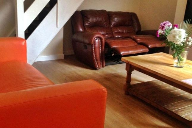 Thumbnail Property to rent in Kathleen Grove, Rusholme, Manchester
