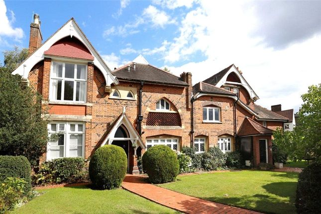 3 bed flat to rent in Ridgway, Wimbledon Village