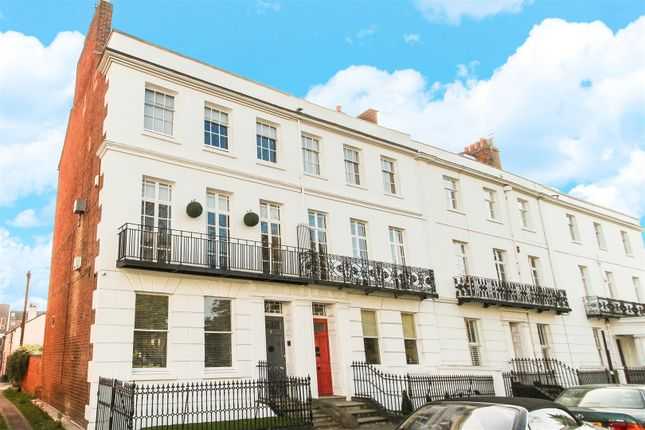 Thumbnail Terraced house for sale in Clarendon Square, Leamington Spa