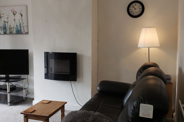 3 bed terraced house to rent in Fountains Road, West Midlands WS3