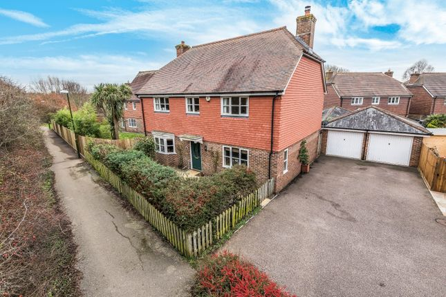 Thumbnail Detached house for sale in Morris Drive, Billingshurst