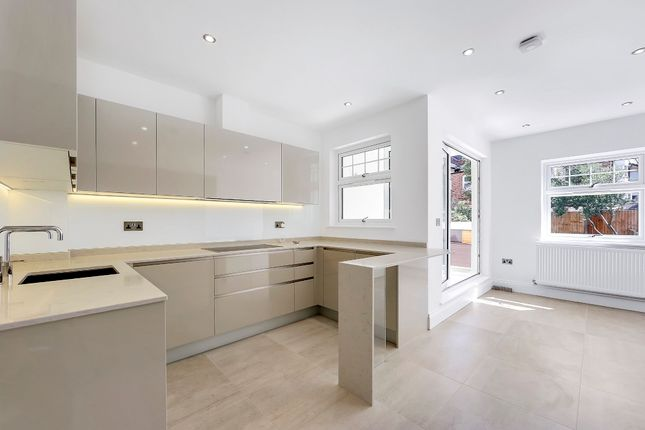 Thumbnail Maisonette for sale in Colney Hatch Lane, London