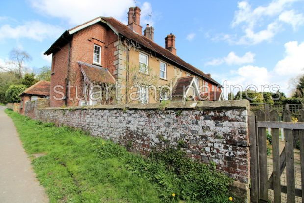 Thumbnail Cottage to rent in Drovers, The Street, Bolney, Haywards Heath
