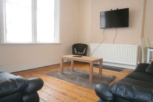 Thumbnail Maisonette to rent in Heaton Road, Heaton