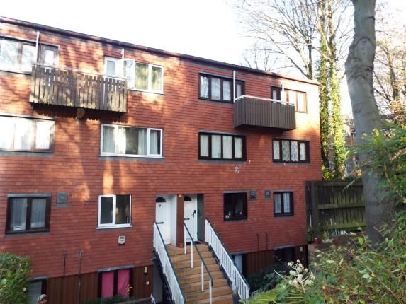 Thumbnail Maisonette for sale in Crawley Green Road, Luton, Bedfordshire